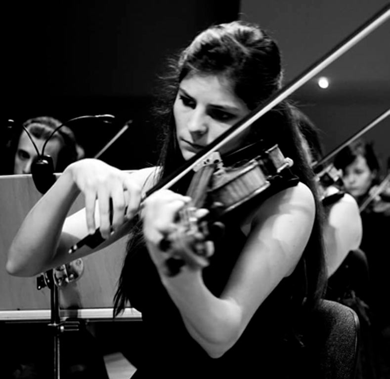 """<span  class=""""uc_style_uc_tiles_grid_image_elementor_uc_items_attribute_title"""" style=""""color:#ffffff;"""">Marta Álvarez - clases de violín</span>"""
